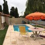 Mesa sombrillas jardin casa